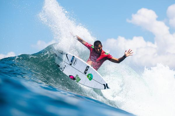 Filipe Toledo (SP) (Matt Dunbar / WSL via Getty Images)