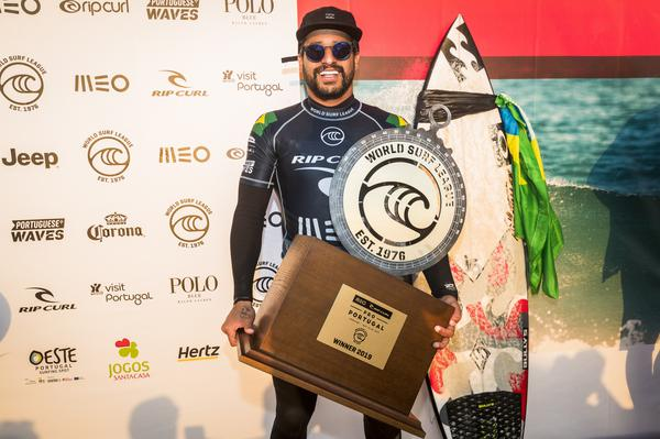 Italo Ferreira-RN (Damien Poullenot / WSL via Getty Images)